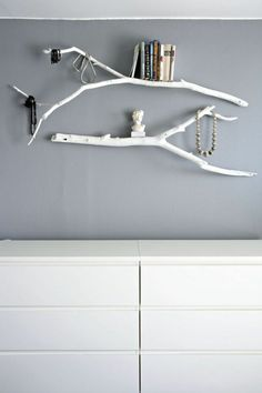 13 regal bauen weiße äste bücher schmuckstücke weiße schrank diy wandregale kreative idee wandgestaltung