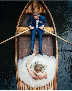 This is the most perfect wedding shot in a canoe. <3
