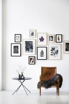 Un mur de cadres par April and May Studio // http://ow.ly/WZVN8