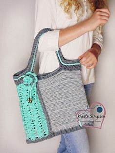Sea Glass Tote by Kristi Simpson. Pattern available to purchase at Ravelry.