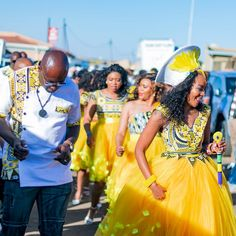 Bontle Bride Magazine is a wedding magazine with a flavour of culture featuring traditional weddings, tips and ideas. Zulu Wedding, Wedding Blog, Dream Wedding, African Wedding Dress, African Dress, Zulu Traditional Wedding, Groomsmen Outfits, South African Weddings, Chubby Girl