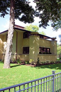 Francis Little House | Frank Lloyd Wright