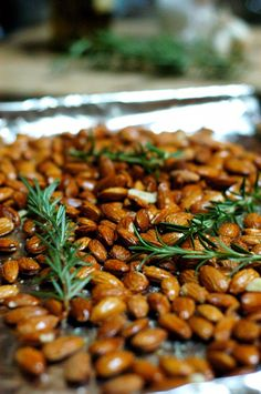 A delcious Rosemary Garlic Roasted Almond recipe the whole family will enjoy