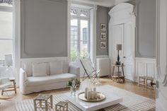 〚 Timeless design: haussmann style apartment in Lyon 〛 ◾ Photos ◾Ideas◾ Design French Apartment, Apartment Design, Interior And Exterior, Interior Design, French Interior, Beautiful Interiors, Interior Inspiration, Contemporary Design, Living Room Decor