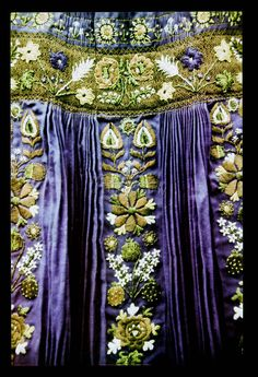 Hungary from Inaktelke, NHA Néprajzi Múzeum Purple Dye, Fibre And Fabric, Hungarian Embroidery, Lace Making, Folk Costume, World Cultures, Fashion History, Traditional Dresses, Budapest