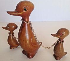 Vtg Mid Century Wood Mother Ducks Duckling Chains Rhinestone Eyes Danish Modern