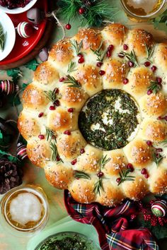 This Baked Brie and Bread Wreath is a show-stopping appetizer/centerpiece that definitely should be present at all of your gatherings this holiday season! Holiday Recipes, Christmas Recipes, Christmas Wreath Bread Recipe, Christmas Bread, Christmas Meals, Summer Christmas, Christmas Dishes, Christmas Appetizers, Holiday Meals