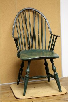 BEST 18TH C NEW YORK WINDSOR CONTINUOUS ARM BRACE BACK ARMCHAIR OLD GREEN PAINT 19TH C GREEN OVER ORIGINAL YELLOW A STRONG BOLD CHAIR. Sold Ebay 1240.00
