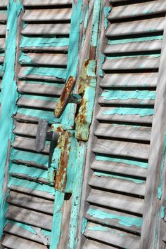 Patina shutters on old wooden house in Old Town Key West Old Doors, Windows And Doors, Old Shutters, Paint Shutters, Distressed Shutters, Vintage Shutters, Patina Farm, Decoupage, Peeling Paint
