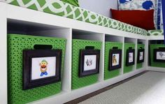 Add visual aides to help pre-readers stay organized.  Daaaaang, this puts my photo labels to shame!