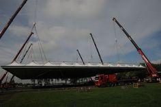 Dachbau Schritt für Schritt - 5. Nun wird der Abstand zwischen Dach und Boden immer größer.