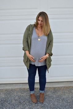 Mom Style Monday, Fall Transitions, Maternity Style, Fall Style, Fall Maternity Fashion, Fall Wardrobe, Third Trimester Style, Summer to Fall Fashions, Fall Pregnancy