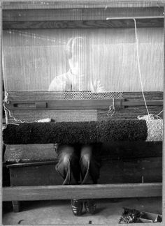 Hajo Rose, Michiko Yamawaki at the loom, 1930-1932   [orig. caption:Michiko Yamawaki am Webstuhl]
