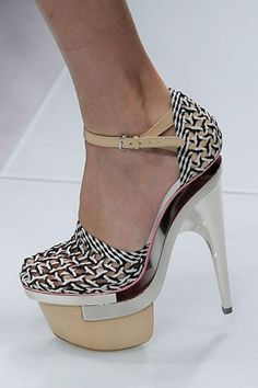 6f733055172ab Versace Spring 2010 Ready-to-Wear Fashion Show. Dina Tokarchuk · Shoes