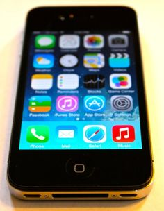 Apple iPhone 4 8GB, Black, for Straight Talk, No Contract