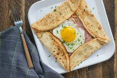 With an added boost of protein from our Collagen Peptides, these Ham & Egg Crepe Pockets are a satisfying, filling breakfast. #bodybybutter #phase2 (Phase 2 after successful egg reintroduction only)