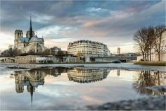 Double view of Notre Dame and Íle de la Cité