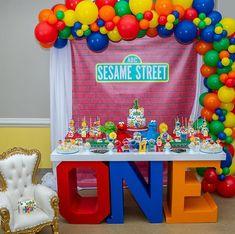 Elmo First Birthday, Boys 1st Birthday Party Ideas, Monster Birthday Parties, First Birthday Parties, First Birthdays, Sesame Street Party Supplies, Sesame Street Birthday Cakes, Beach Qoutes, Elmo Party Decorations