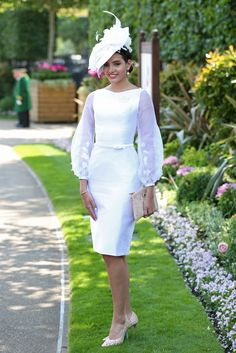Ahead of this year's Royal Ascot, look back at most glorious outfits and flamboyant hats Race Day Outfits, Derby Outfits, Races Outfit, Outfits With Hats, Ascot Outfits 2017, Stylish Outfits, Race Day Fashion, Races Fashion, School Fashion