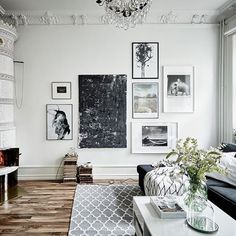 Last Trending Get all images home interior inspiration Viral gallery wall inspiration Decoration Inspiration, Inspiration Wall, Interior Inspiration, Decor Ideas, Picture Wall Living Room, Living Room Pictures, Scandi Living, Home And Living, Scandinavian Home
