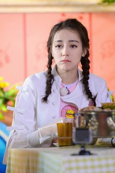 Dilraba Dilmurat 迪丽热 巴 Running Beautiful Chinese Girl, Beautiful Asian Women, Korean Girl, Asian Girl, Mode Bollywood, Prettiest Actresses, Fade Styles, Holy Chic, Perfect Model