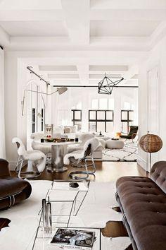 Design moderne et polyvalent de Julie Hillman - Conceptionsalle Eclectic Design, Interior, Eclectic Interior Design, Interior Spaces, Home Decor, House Interior, Small Studio Apartment Design, Interior Design, Inexpensive Decor