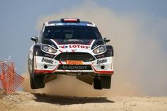 Kajetan Kajetanowicz has won the CNP ASFALISTIKI Cyprus Rally 2015. Co-driven by Jarek Baran, the Polish star completed the 16 mixed-surface stages in his LOTOS Rally Team Ford Fiesta R5
