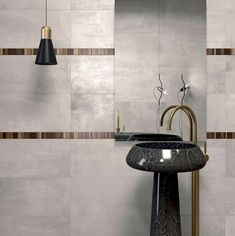 Excellent Hottest Bathroom Fall Trends 2017 For Your Next Project ➤To see more Luxury Bathroom ideas visit us at www.luxurybathroo… Luxury Bathrooms The . Wall And Floor Tiles, Wall Tiles, Bathroom Trends 2017, Open Showers, Bathroom Wall, Bathroom Ideas, Minimalist Bathroom, Amazing Bathrooms, Designer