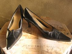 BRANDNAME: NORDSTROM #200  MATERIAL: Leather  COLOR: Black  CONDITION: New!  SIZE: 8 1/2 M  AVAILABLE  $39.99