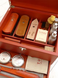 TURMS Red Wooden Complete Shoe Care Case