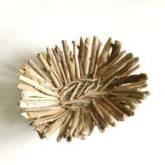 how to make a driftwood bowl Driftwood Beach, Driftwood Art, Gift Noel, Image Fruit, Office Birthday, Driftwood Projects, Custom Printed Mugs, Art Club, Drapery Fabric