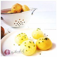 Ein tolles Rezept für Mini Kartoffelknödel. Wir hatten die befürchtung, dass es nichzt klappen würde. Doch mit diesem Rezept macht ihr herrlich lockere Kartoffelklösschen, die nicht auseinanderfallen, denn das Leben isst bunt!