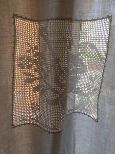 Da un telo di lino a una tenda con inserti all'uncinetto - Il blog italiano sullo Shabby Chic e non solo