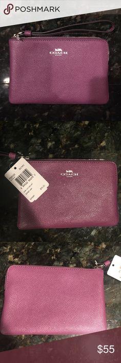 Woman's Authentic Coach clutch in Mauve Woman's Authentic Coach clutch in Mauve Brand new with tags Coach Bags Clutches & Wristlets