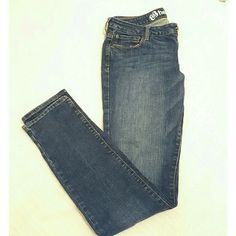 Bullhead Hermosa Skinny Jeans Gently used. No rips or stains. Very comfortable good fitting jeans! Bullhead Jeans Skinny