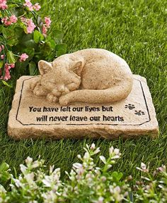Buy Pet Memorial Stones Cold Cast Ceramic Memorial Garden Backyard Flowers Greenery (Cat) at Discounted Prices ✓ FREE DELIVERY possible on eligible purchases. Pet Memorial Gifts, Dog Memorial, Memorial Ideas, Pet Grave Markers, Memorial Garden Stones, Pet Loss Grief, Pet Cemetery, Cemetery Statues, Pet Memorials