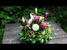 Contemporary Flower Arranging Lesson - Hedging - YouTube