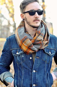 Fitted denim jacket looks great! Mens Fashion Suits, Fashion Gallery, Men Looks, Swagg, Teen Fashion, Fashion Ideas, Fashion Trends, Autumn Fashion, Streetwear