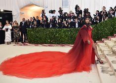Nicki Minaj in Oscar de la Renta Runway Fashion, High Fashion, Luxury Fashion, Nicki Minaj Wallpaper, Nicki Minaj Photos, Celebrity Wallpapers, Wild Style, Gala Dresses, Formal Dresses For Women