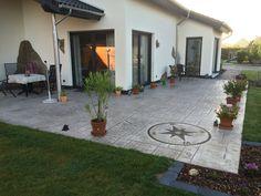 #PavimentoStampato effetto pietra naturale per una casa in perfetto #stile rustico! #pavimento #country #garden