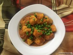 DURBAN CHICKEN CURRY South African Recipes, Ethnic Recipes, Potato Sticks, Thing 1, Gluten Free Rice, Tasty, Yummy Food, Chicken Curry, Perfect Food