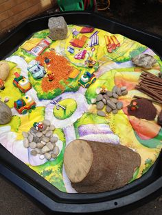 The Three Little Pigs story. Tuff Spot, Traditional Tales, Traditional Stories, Communication And Language Activities, Fairy Tale Activities, Tuff Tray, Activities For 2 Year Olds, Little Red Hen, Small World Play