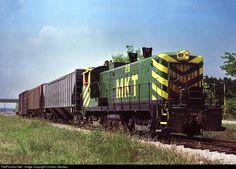RailPictures.Net Photo: MKT 28 Missouri, Kansas & Texas Railroad (Katy) Baldwin DS4-4-1000 at Lewisville, Texas by Charles Stookey