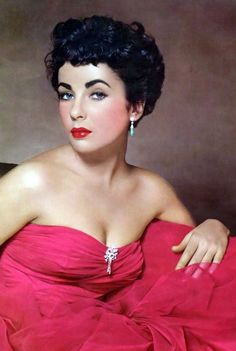 Elizabeth Taylor one of the most beautiful woman in the world. Description from pinterest.com. I searched for this on bing.com/images