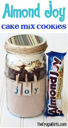 33 Best Mason Jar Cookie Recipes Best Mason Jar Cookies - Almond Joy Cookie Mix - Mason Jar Cookie Recipe Mix for Cute Decorated DIY Gifts - Easy Chocola. Mason Jar Cookie Recipes, Mason Jar Desserts, Mason Jar Cookies, Cake Mix Cookie Recipes, Cake Mix Cookies, Cookies Et Biscuits, Cookie Mixes, Cookie In A Jar, Cookie Mix In A Jar Recipe