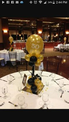 Black Gold Party Black and gold balloon centerpieces for a birthday or anniversary 50th Birthday Party Ideas For Men, 50th Birthday Party Decorations, Moms 50th Birthday, 90th Birthday Parties, 50th Party, Anniversary Parties, 50th Anniversary, Party Party, 50th Birthday Balloons