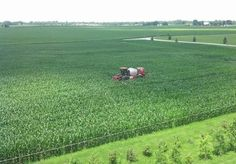 MillerNitro 24-row N toolbar.  Applying 28% N at tassel.    Equpiment modifications and photo by: Mike Shuter, Shuter Sunset Farms