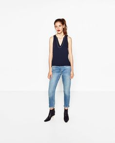 Obrázok 1 z BLÚZKA S DETAILNÝMI PERLAMI od spoločnosti Zara