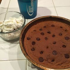 Fit Foods Chocolate Pazookie To make: mix 1 scoop of chocolate protein, half a cup of canned pumpkin, 5 g cocoa powder, stevia, baking powder, 50g egg whites, and add a little water if it looks too thick. Put it in a sprayed pan, add 1 tablespoon carob chips and bake at 350 for 12-15 minutes. I prefer at least 15 because I like the edges crispy! {240 calories}