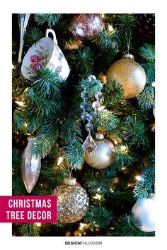 Christmas Tree Decorating French Country Interiors, Country Interior Design, French Farmhouse Decor, Shabby Chic Farmhouse, French Country Decorating, French Country Christmas, Rustic Christmas, Christmas Home, Christmas Bulbs
